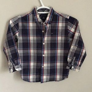 Tommy hilifiger size 4 button down shirt boys